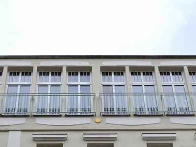 raumhohe Fensterelemente aus Kunststoff - Außenansicht